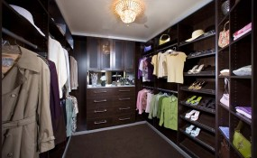 Expresso custom walk in closet
