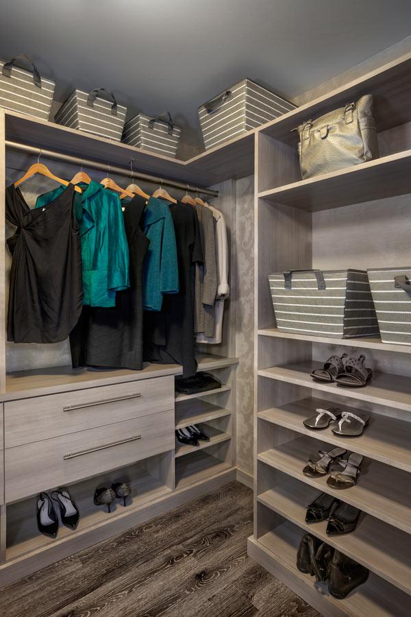 Closet Factory_1600 Vine Unit 734_master walk-in vertical_Dwell Design Labs