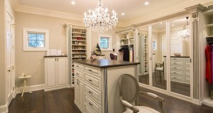 Orlando-walk-in-island-view_sized-for-web_Closet-Factory1