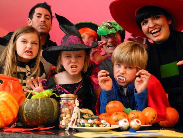 organize halloween decorations