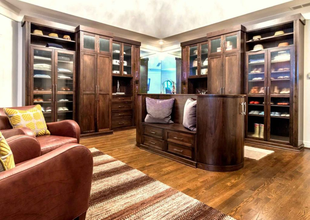 kentucky walk-in closet with sitting area