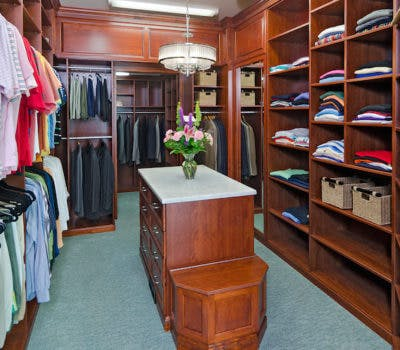 4 Simple Life Hacks To Organize Your Closet