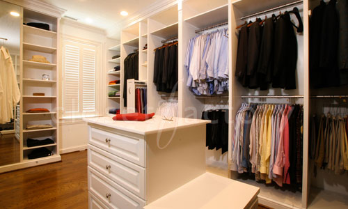 Closet Color Trends: Expressing Personality Through Colors
