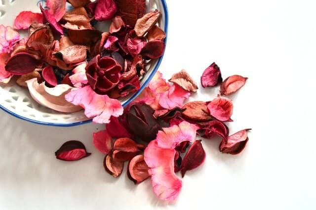 Finally, Keeping Some Potpourri In The Corners Of Your Closets Is An  Effective Solution For Odors. For Extra Effect, Wrap The Potpourri In Some  Tissue Paper ...