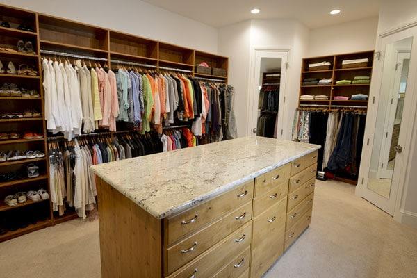 Dream Closet Transforms Bedroom Storage