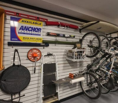 5 Essential Items That You Should Have In Your Garage
