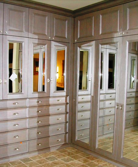 Ordinaire Master Closet Dressing Room Featuring Fully Enclosed ...