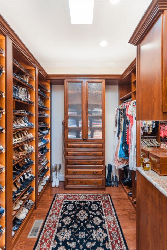 Superbe Closet Factory