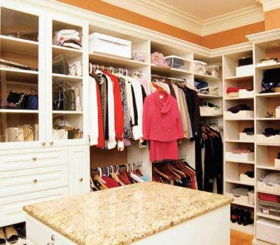 How to Design a Custom Closet When Décor Tastes Clash
