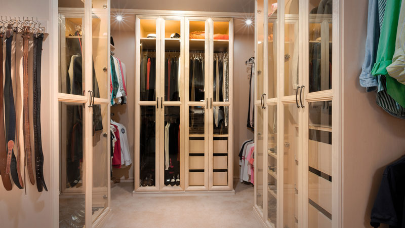 8 Walk-In Closet Ideas To Inspire You