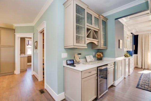 Incorporating A Home Bar Design Into Your Existing Décor | Closet ...