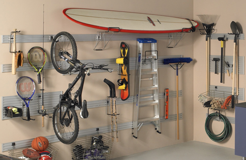 Slatwall – A Versatile Accessory for Garages, Closets and Pantry Rooms