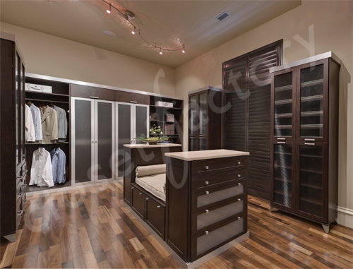 Charmant Kay Wade, Closet Factory Vice President Of Design And Head Designer, Was  Commissioned For The 6th Year To Create Custom Closets For 4 Of This 2011  Showcase ...