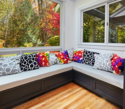 Tips for Decorating Your Window Seat