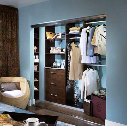 Custom Closet Design: DIY & Standard Backing Ideas