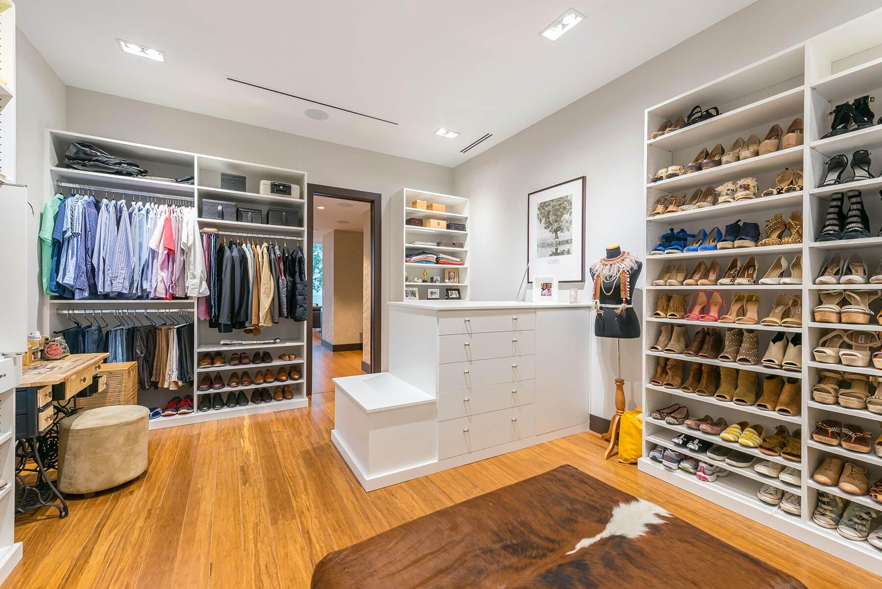 Bedroom Closet Urned Into Dressing Room