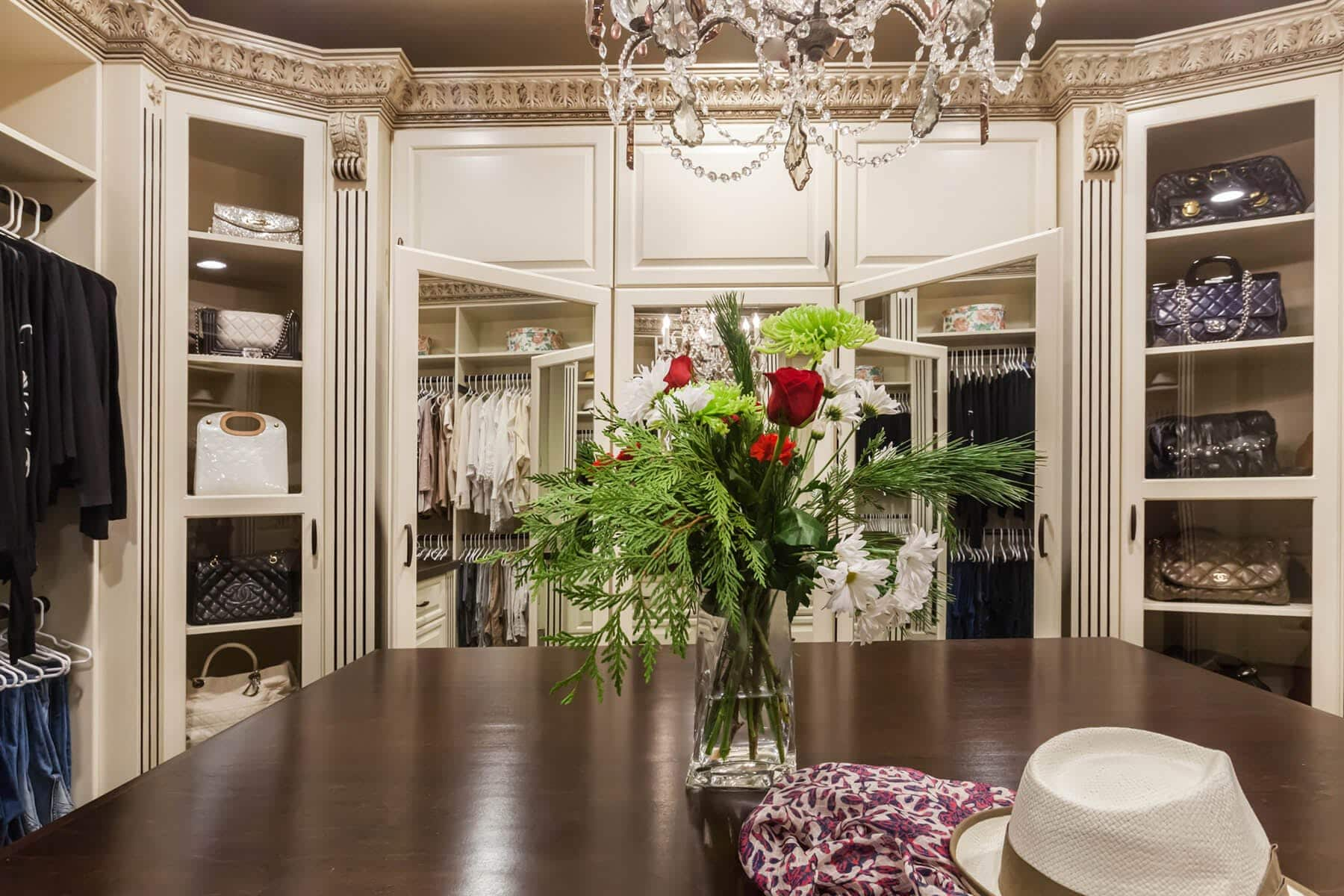 Traditional Wardrobe Acanthus Wood Walk In Closet ...