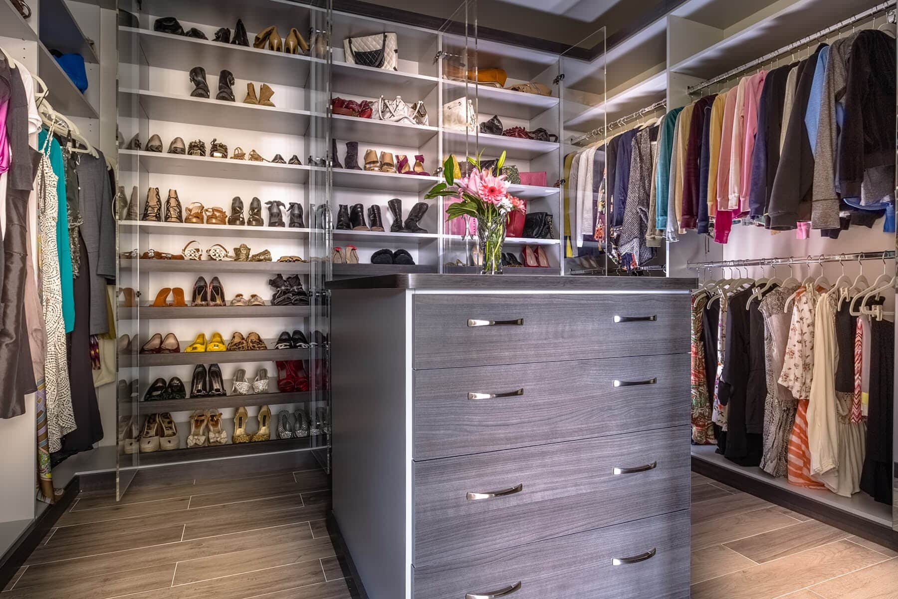 Delicieux Walk In Closet With Island ...