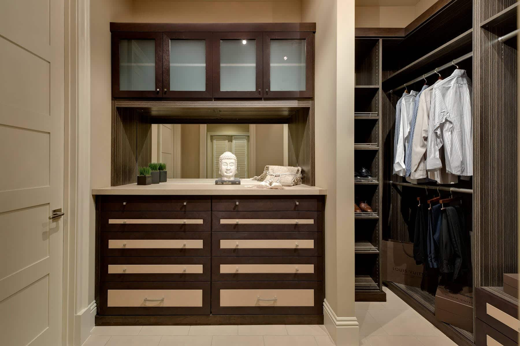 Built In Drawers In Wardrobe Closet ...