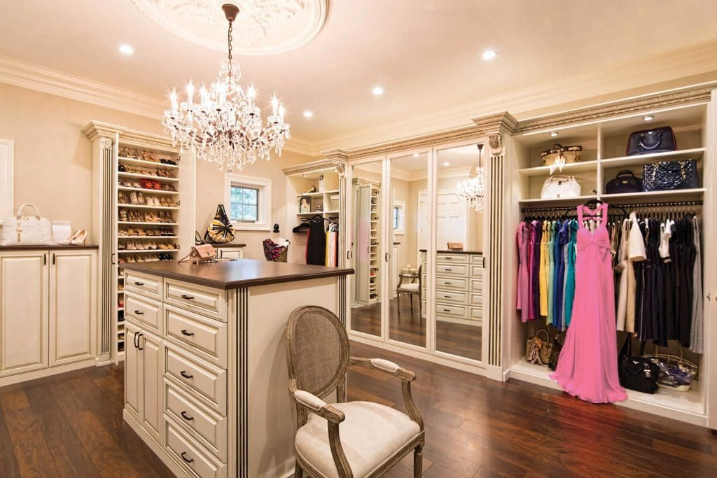 traditional style closet design