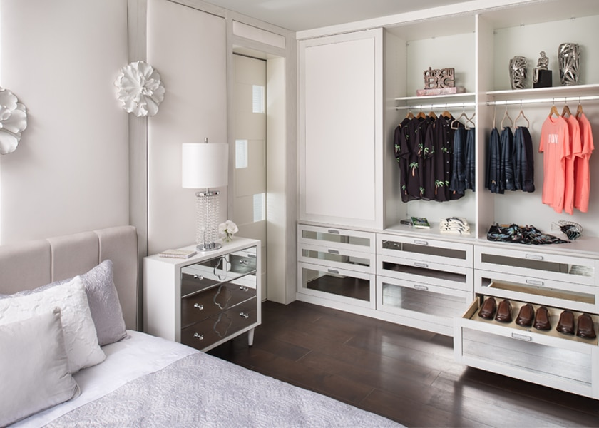 Modern closet design features the most modern advancements in building technology and design trends.