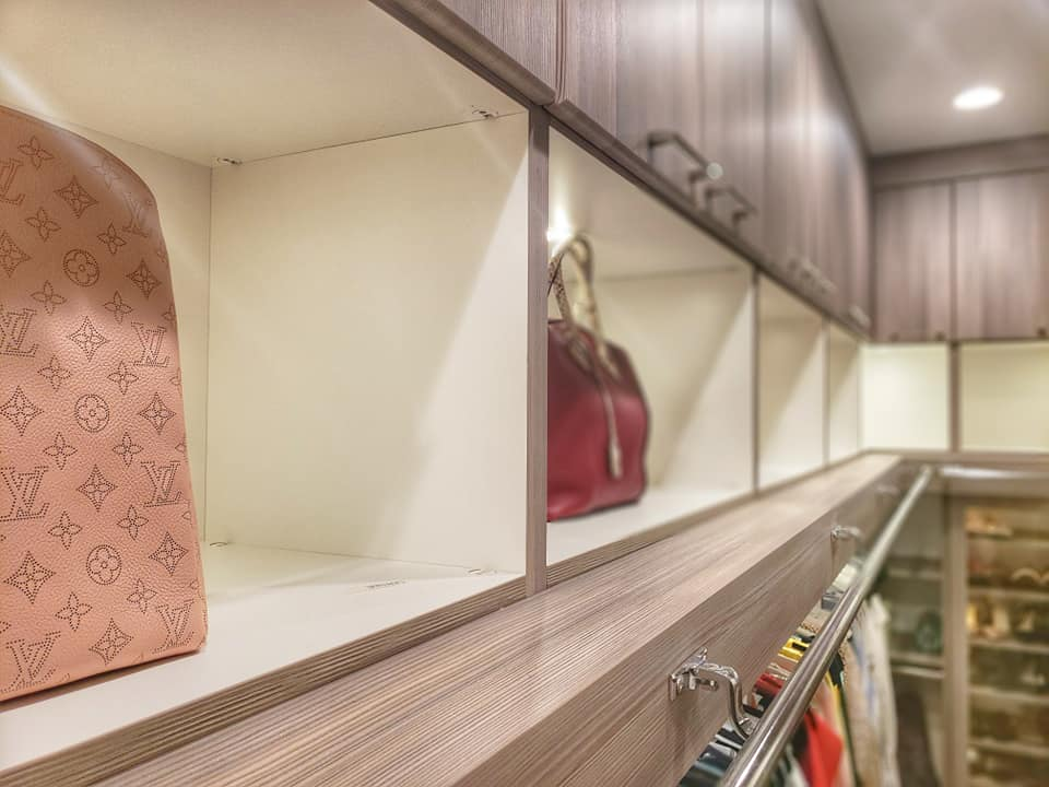 Custom closet for storing handbags