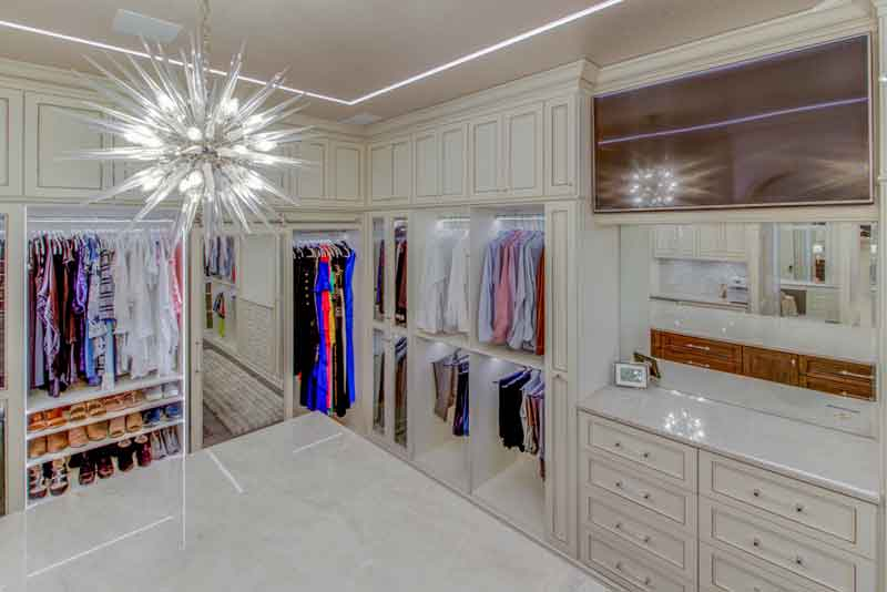 Custom dressing rooms are used to improve organization