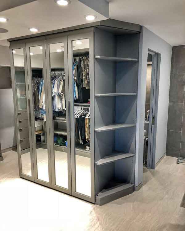 Custom dressing room