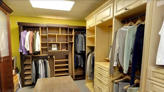 inside of st. louis closet factory shoroom