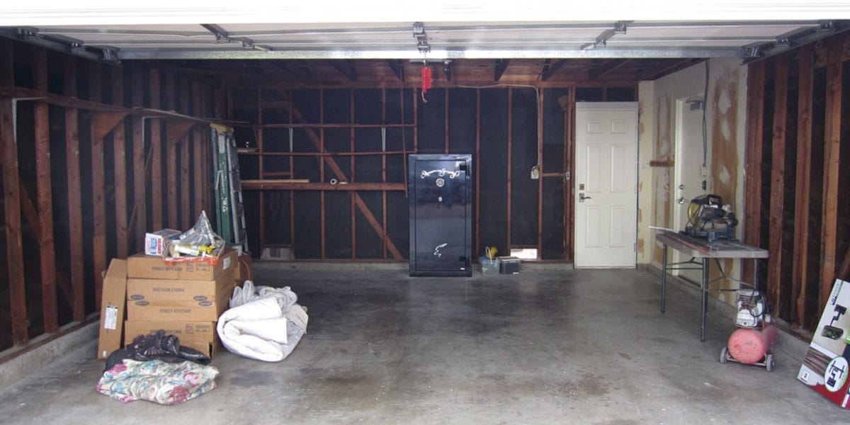 Empty garage ready to be worked on