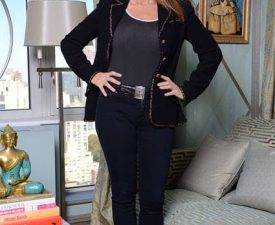 jill zarin stands in her living room